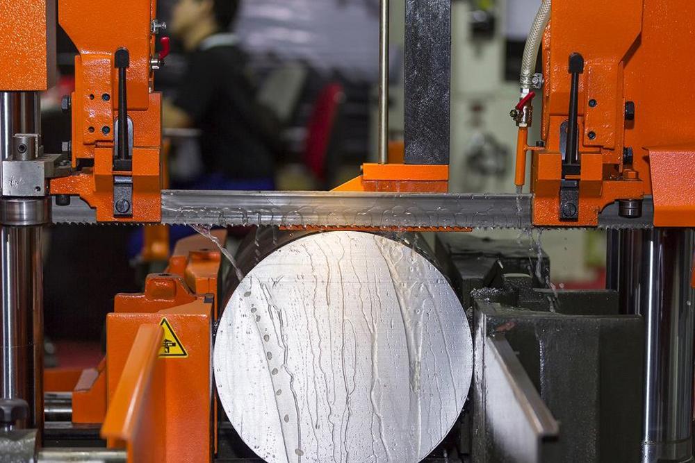 Şerit Testere Makinalarında Mengene Yapıları Nelerdir? Parçalar Mengeneye Nasıl Bağlanır?